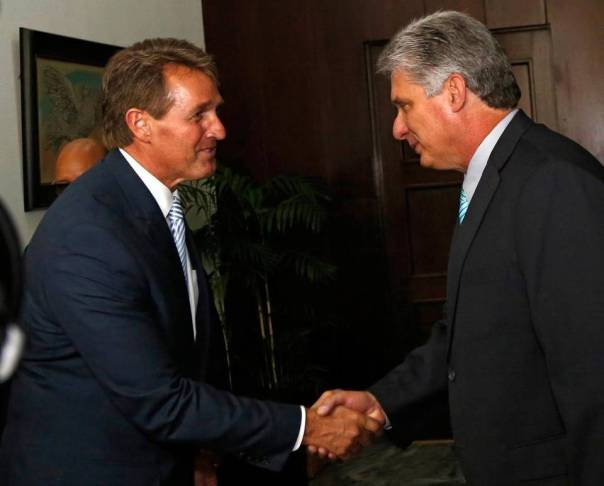 Díaz Canel y Jeff Flake, senador de Arizona